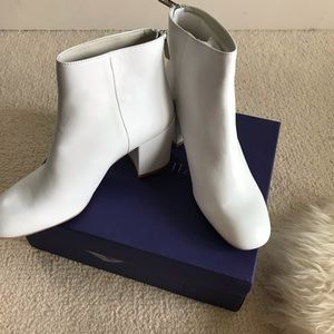 NWB STUART WEITZMAN Leather Ankle Booties
